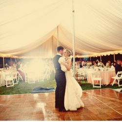 rainy-day-wedding-tent-ideas31